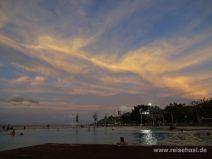Öffentliche künstliche Meerwasserlagune in Cairns