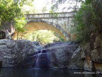 Autobrücke über den Little Crystal Creek