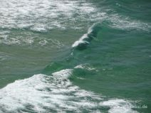 Klares grünes Meerwasser