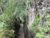 Weg entlang der Levada da Janela
