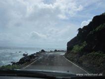 Abenteuerliche Straße im Osten Molokais