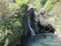 Wasserfall an der Road to Hana auf Maui