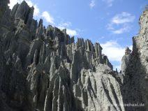Steil aufragende Felssäulen