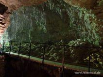 Eingang zur Tropfsteinhöhle