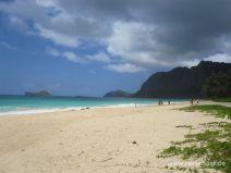 Waimanalo Beach mit Rabbit Island im Hintergrund auf Oahu