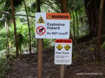 Diverse Warnschilder am Wegstart