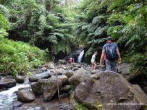 Weg im Flussbett