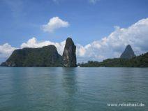 Kalkfelsen und Mangroven in Phang Nga