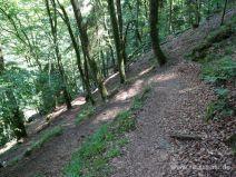 Steile Serpentinen bergab