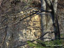 Gestein an der Steilwand
