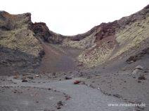 Wege im Krater