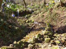 Stufen werden zum Wasserfall